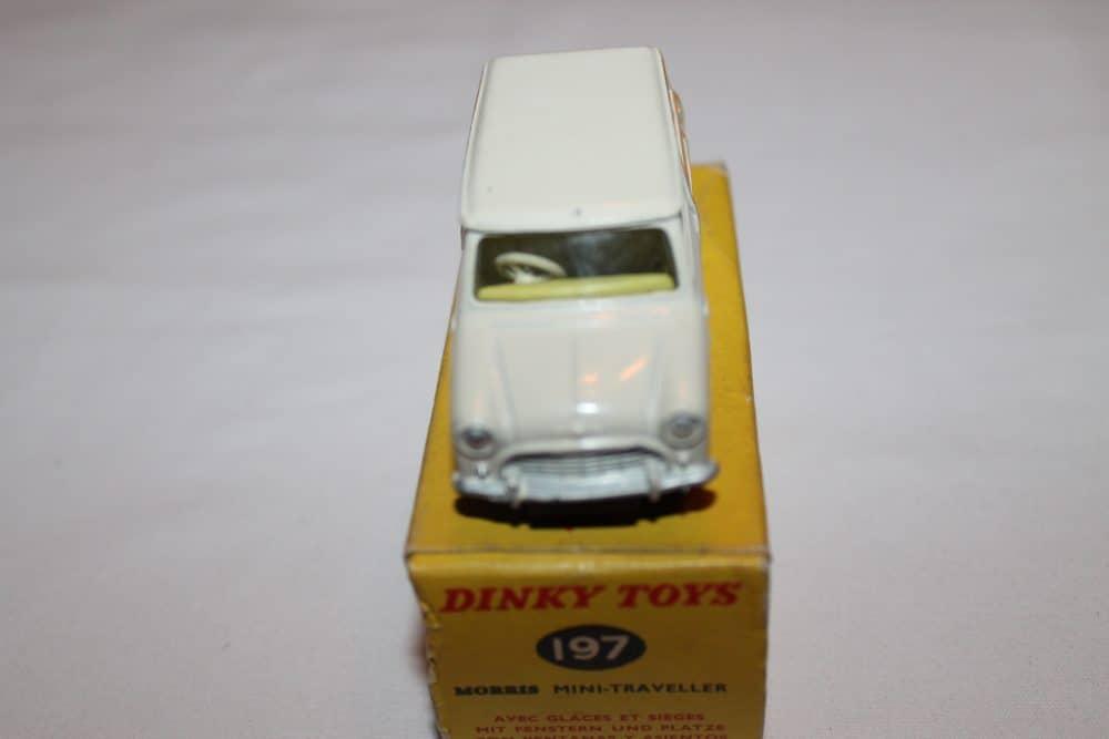 Dinky Toys 197 Morris Mini Traveller-front
