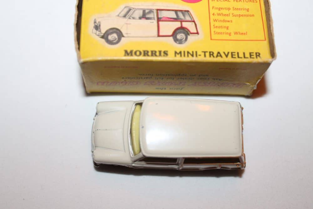 Dinky Toys 197 Morris Mini Traveller-top