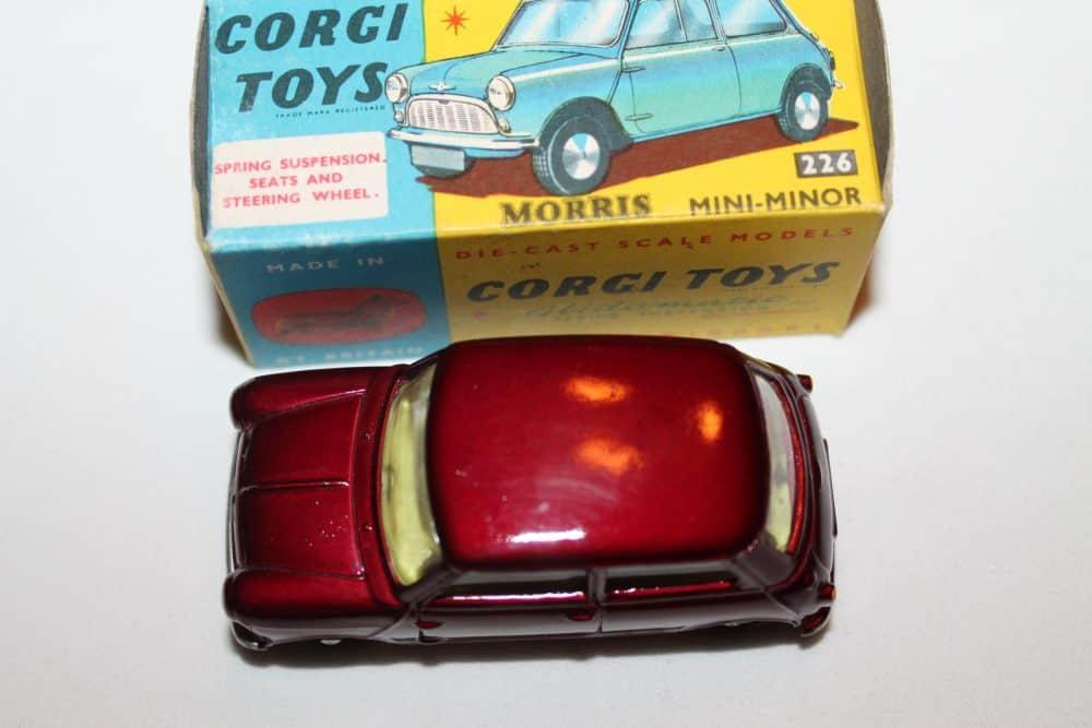 Corgi Toys 226 Morris Mini Minor-top