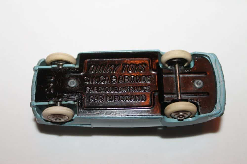 French Dinky 024U Simca 9 'Aronde'-base
