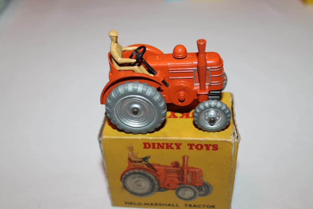 Dinky Toys 027N/301 Field Marshall Tractor-side