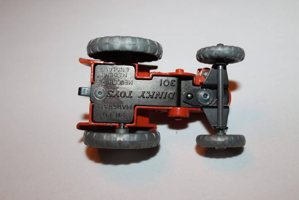Dinky Toys 027N/301 Field Marshall Tractor-base