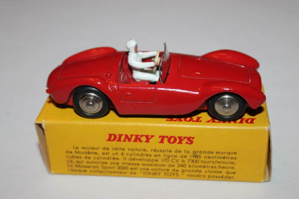 French Dinky Toys 022A Maserati Sport 2000-side