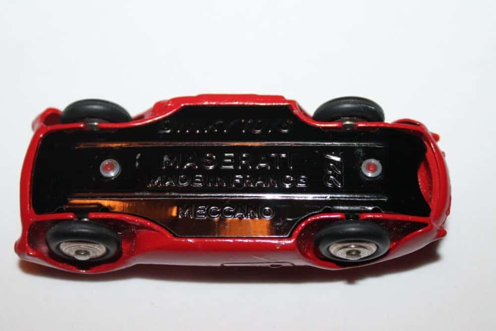 French Dinky Toys 022A Maserati Sport 2000-base