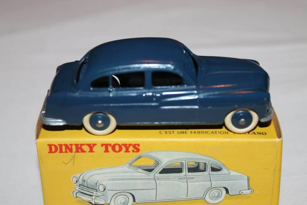 French Dinky 024X Ford Vedette 54-side