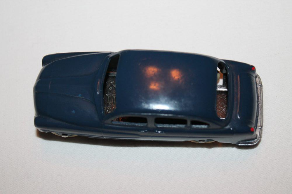 French Dinky 024X Ford Vedette 54-top