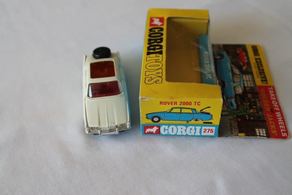 Corgi Toys 275 Rover 2000 TC-front
