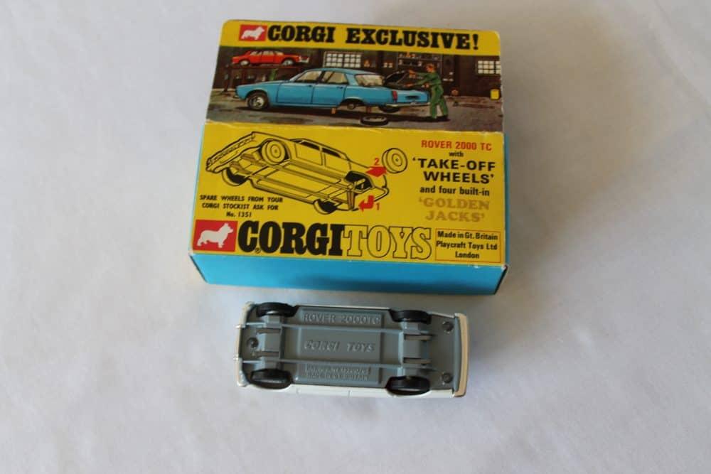 Corgi Toys 275 Rover 2000 TC-base