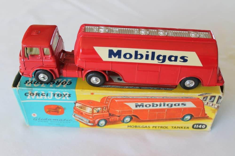 Corgi Toys 1140 Bedford Mobilgas Petrol Tanker