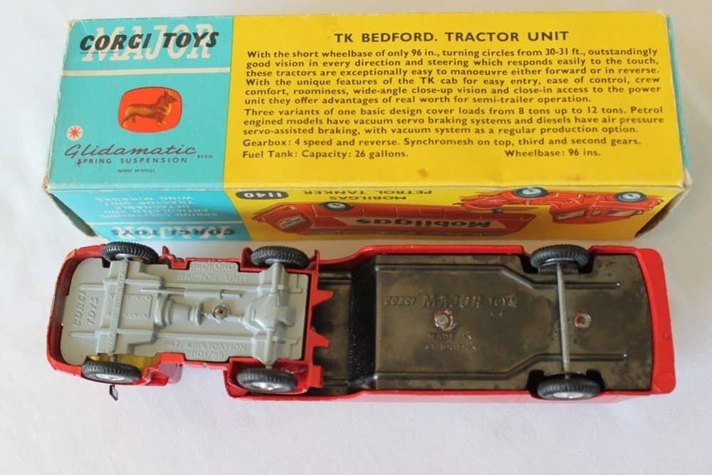Corgi Toys 1140 Bedford Mobilgas Petrol Tanker-base