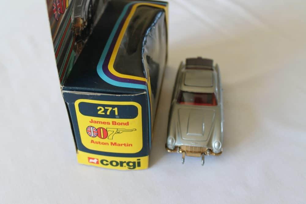 Corgi Toys 271 'James Bond' Aston Martin-front