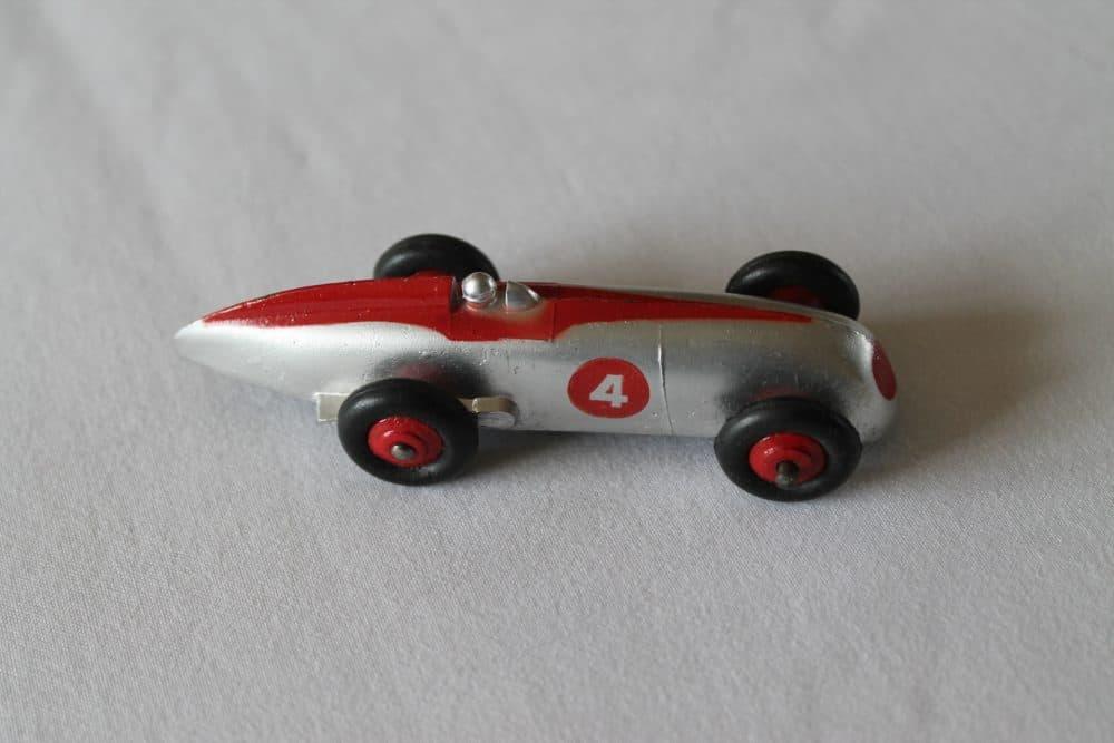 Dinky Toys 023A Racing Car-side
