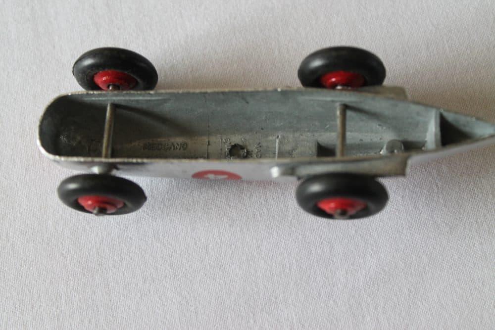 Dinky Toys 023A Racing Car-base