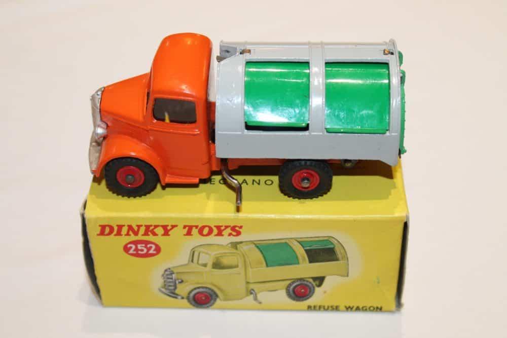 Dinky Toys 252 Refuse Wagon