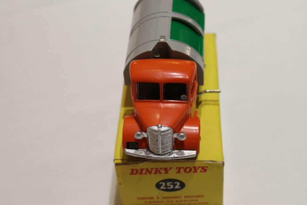 Dinky Toys 252 Refuse Wagon-front