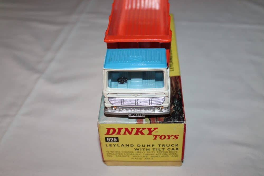 Dinky Toys 925 Leyland Dump Truck-front