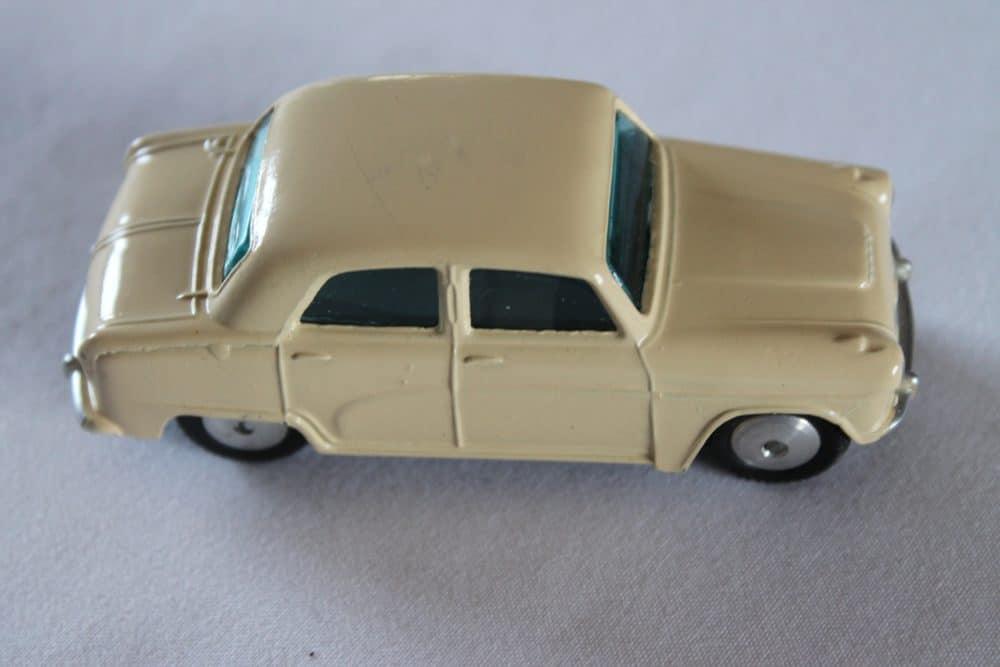 Corgi Toys 201M Austin Cambridge-side