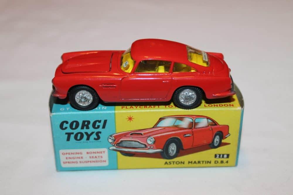 Corgi Toys 218 Aston Martin D.B.4