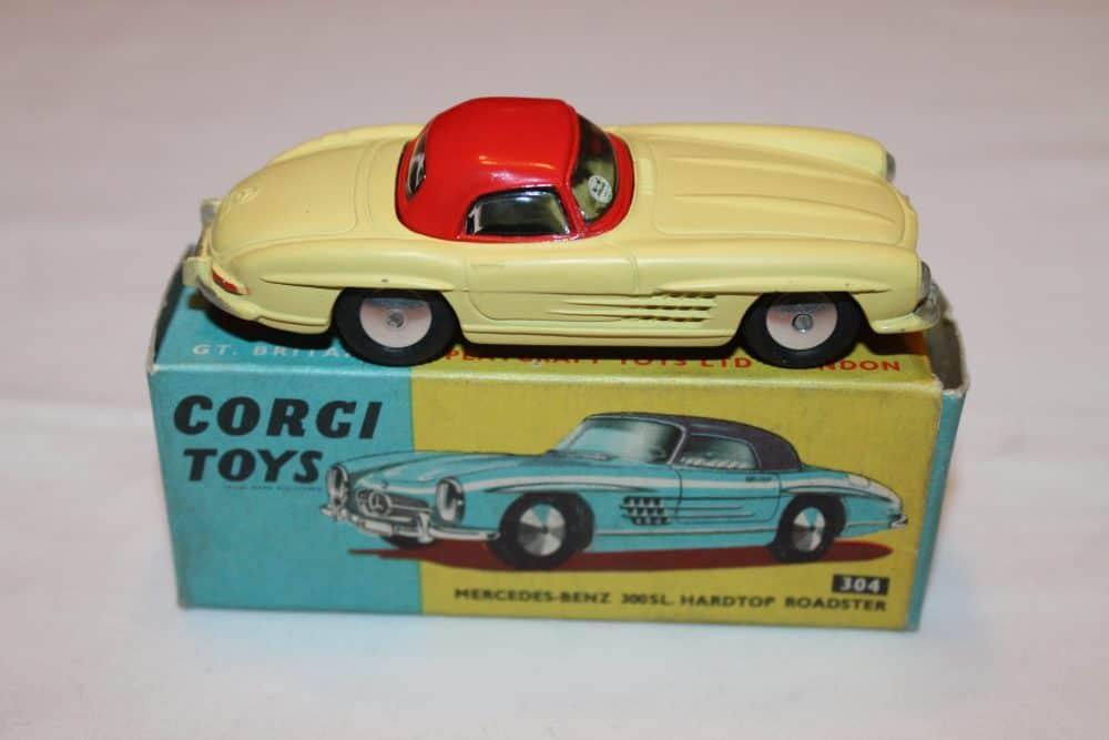 Corgi Toys 304 Mercedes-Benz 300SL Hardtop Roadster-side