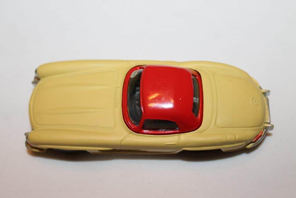 Corgi Toys 304 Mercedes-Benz 300SL Hardtop Roadster-top