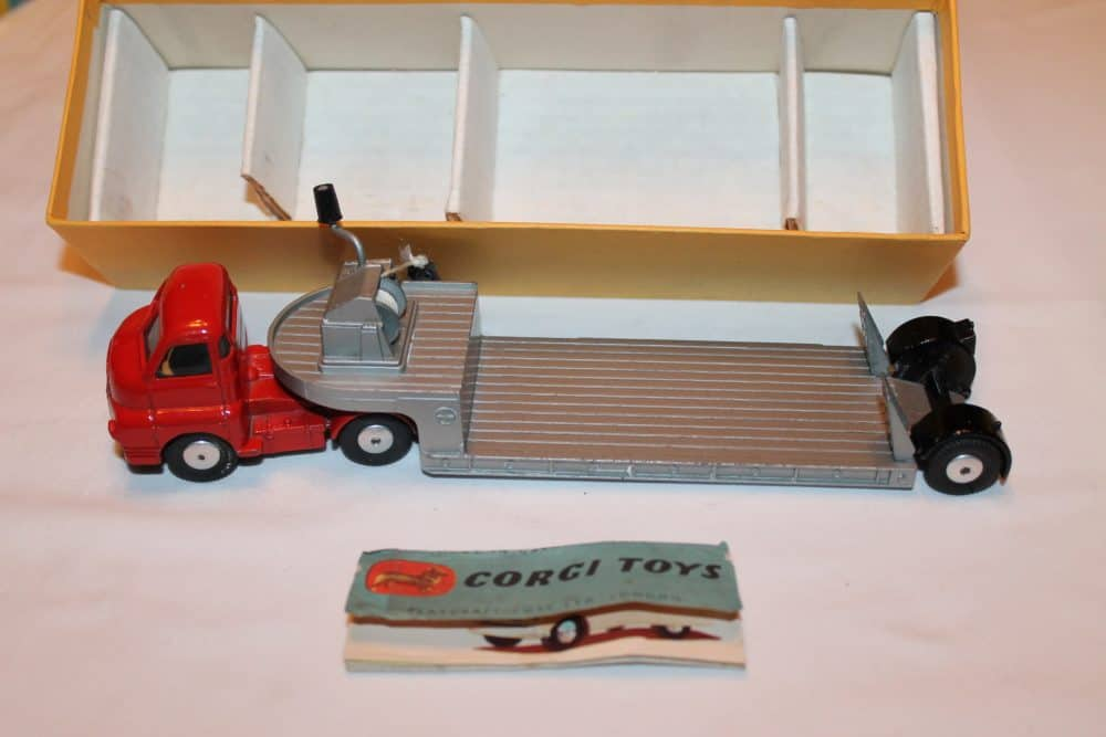 Corgi Toys 1104 Carrimore Machinery Carrier-leftside