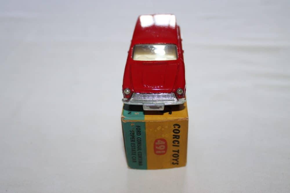 Corgi Toys 491 Ford Cortina Estate-front