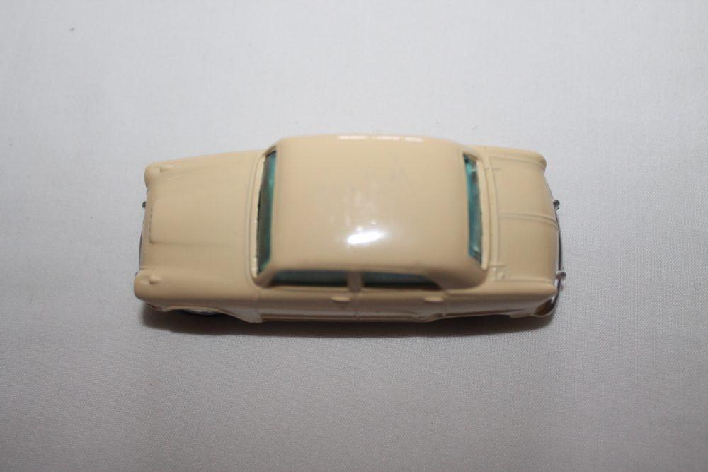 Corgi Toys 201M Austin Cambridge-top