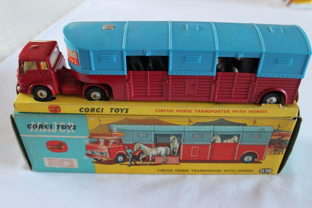 Corgi Toys 1130 Chipperfield Circus Horse Transporter