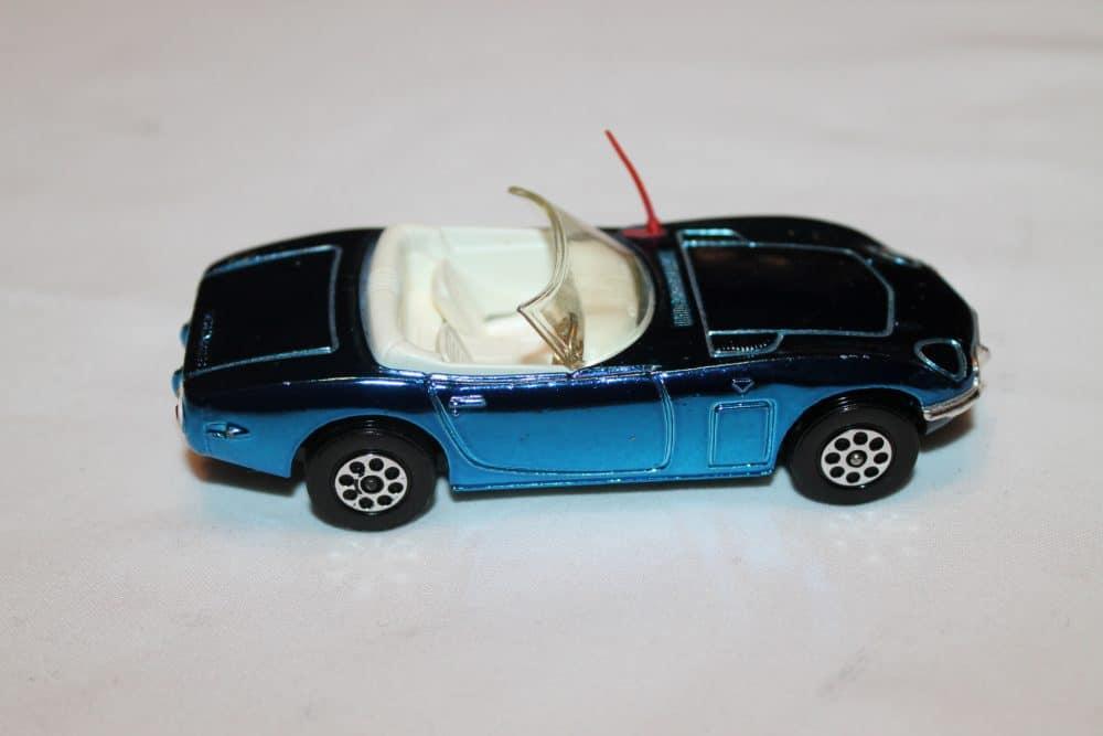 Corgi Toys 375 Toyota 2000 GT-rightside