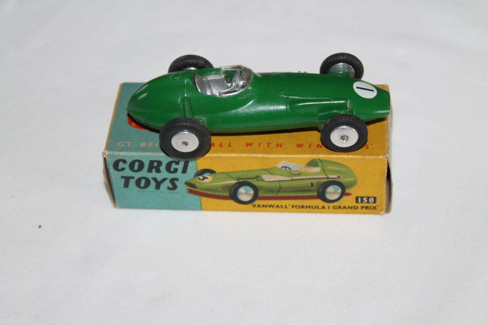 Corgi Toys 152 B.R.M Racing Car-side