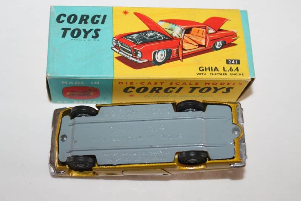 Corgi Toys 241 Ghia L.6.4-base