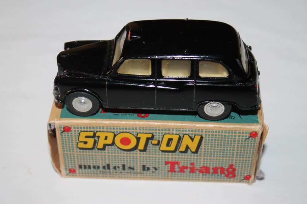 Spot-On Toys 155 Austin Taxi FX 4