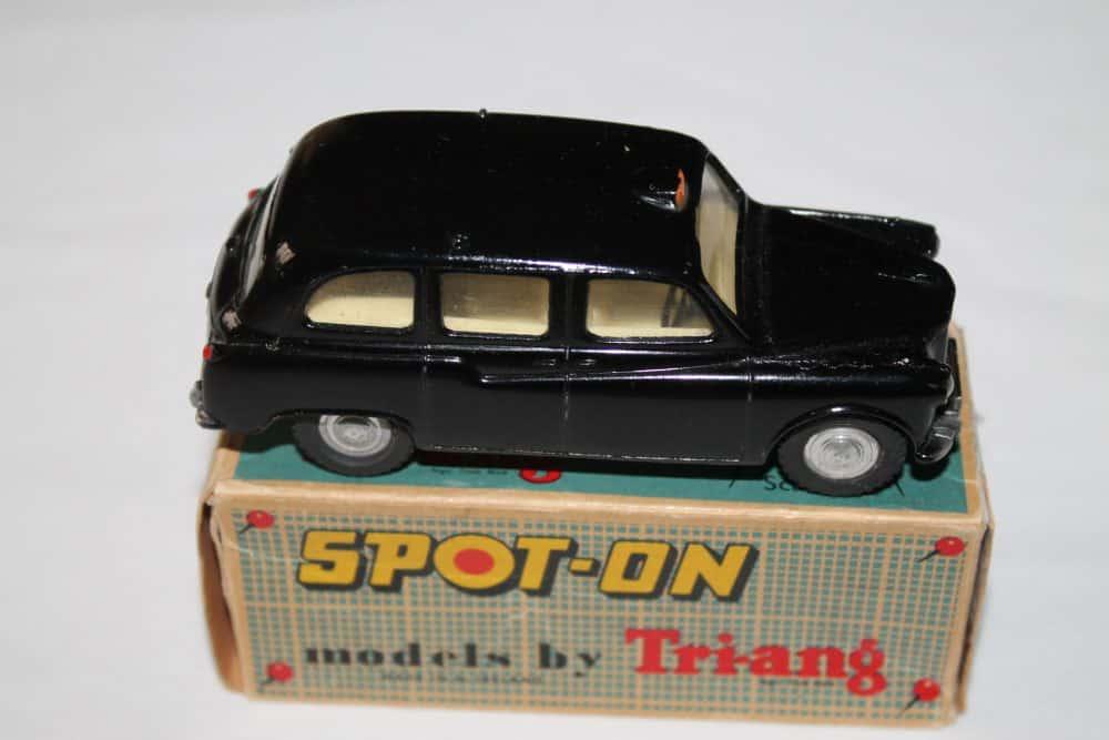 Spot-On Toys 155 Austin Taxi FX 4-side