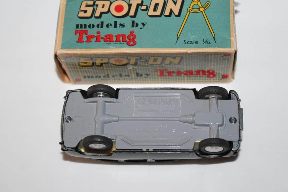 Spot-On Toys 155 Austin Taxi FX 4-base