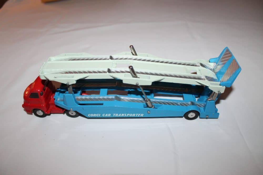 Corgi Toys No 1B Gift Set-left