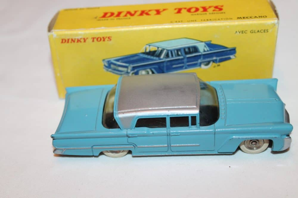 French Dinky Toys 532 Lincoln Premier-side