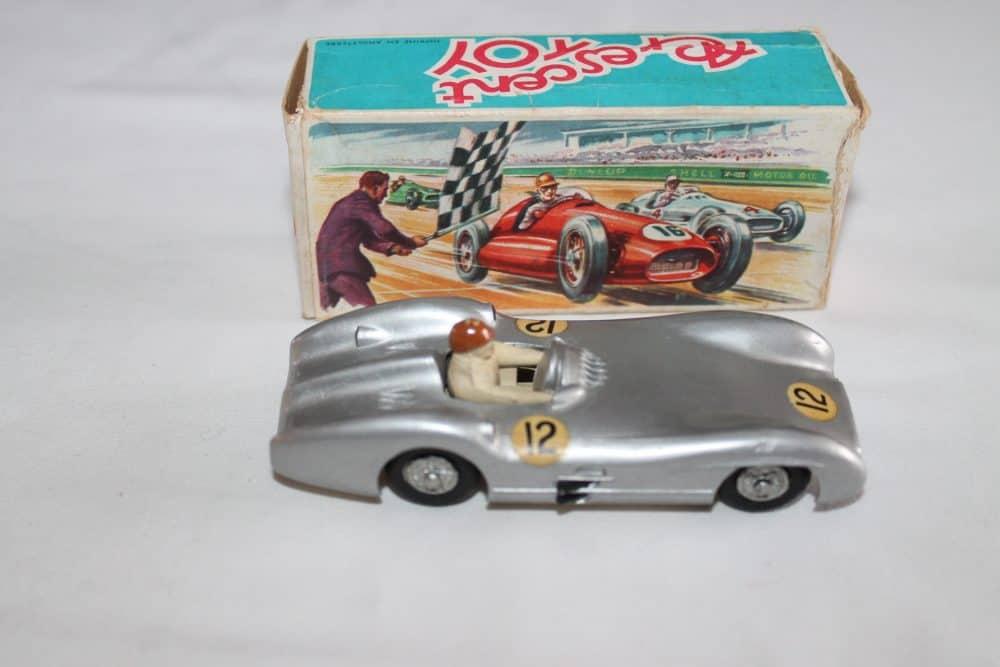 Crescent Toys 1284 Mercedes Benz 2.5 litre Grand Prix Racing Car-side