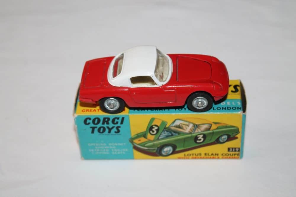 Corgi Toys 319 Lotus Elan Coupe-side