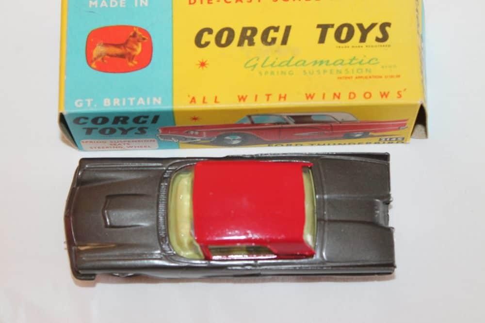 Corgi Toys 214S Ford Thunderbird-top