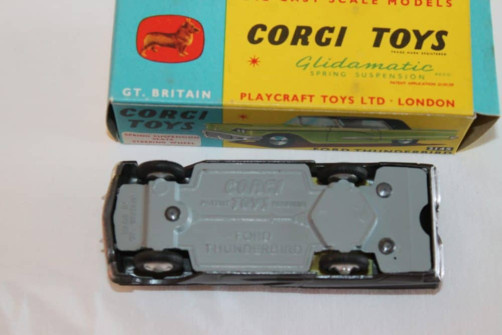 Corgi Toys 214S Ford Thunderbird-base