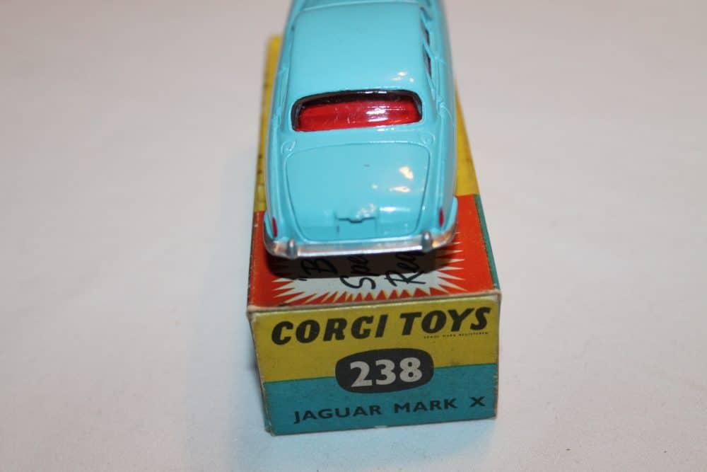 Corgi Toys 238 Jaguar Mark X Lighter Blue shade-back