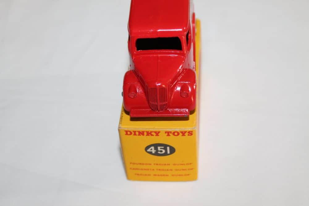 Dinky Toys 451 Trojan 'Dunlop' Van-front