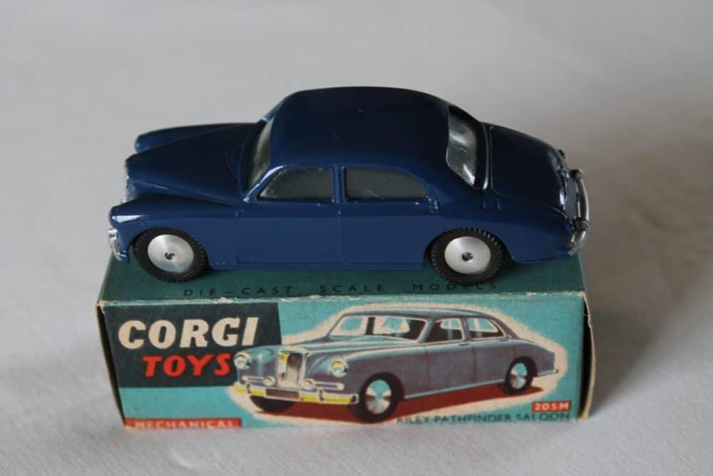 Corgi Toys 205M Riley Pathfinder Saloon Mechanical
