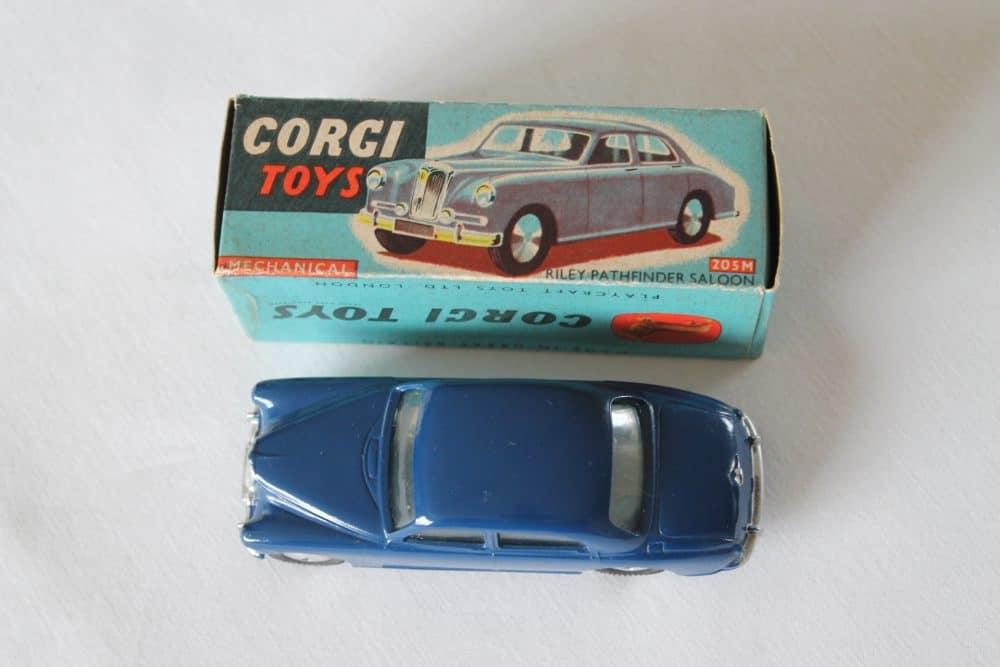 Corgi Toys 205M Riley Pathfinder Saloon Mechanical-top