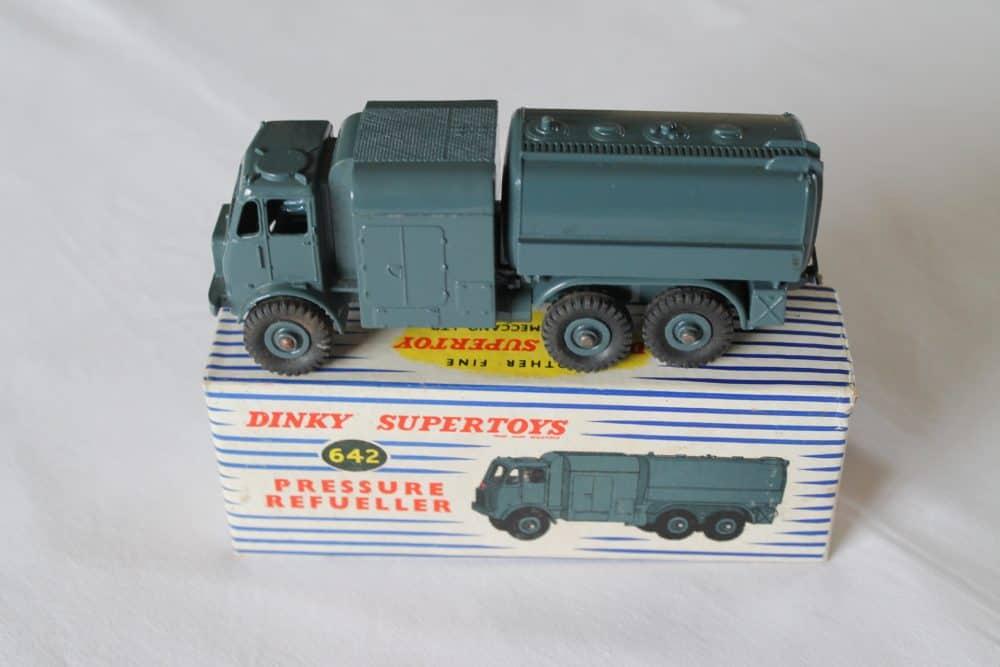 Dinky Toys 642 RAF Pressure Refueler