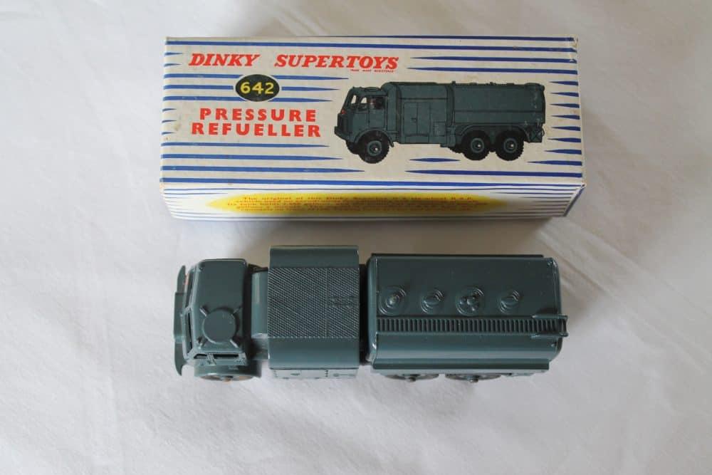 Dinky Toys 642 RAF Pressure Refueler-top