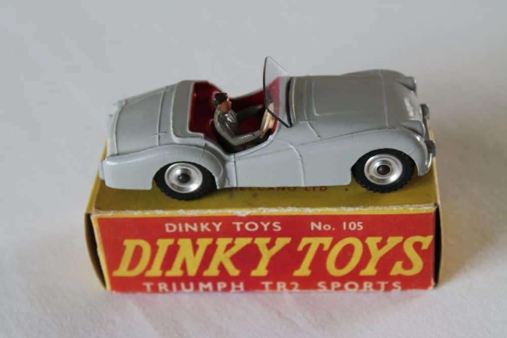Dinky Toys 105 Triumph T.R.2 Tourer-side