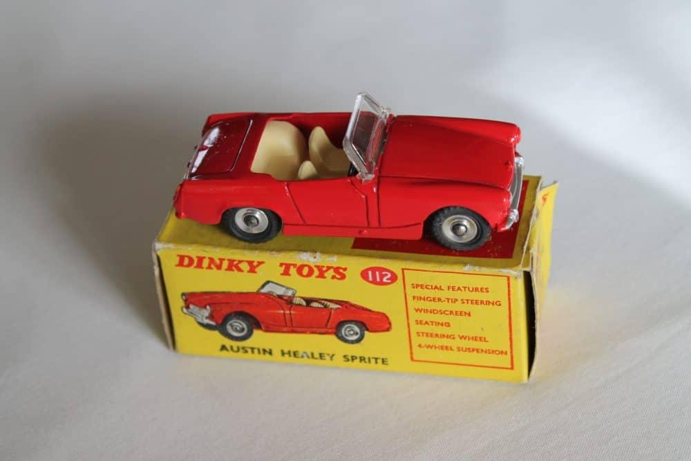 Dinky Toys 112 Austin Healey Sprite-side