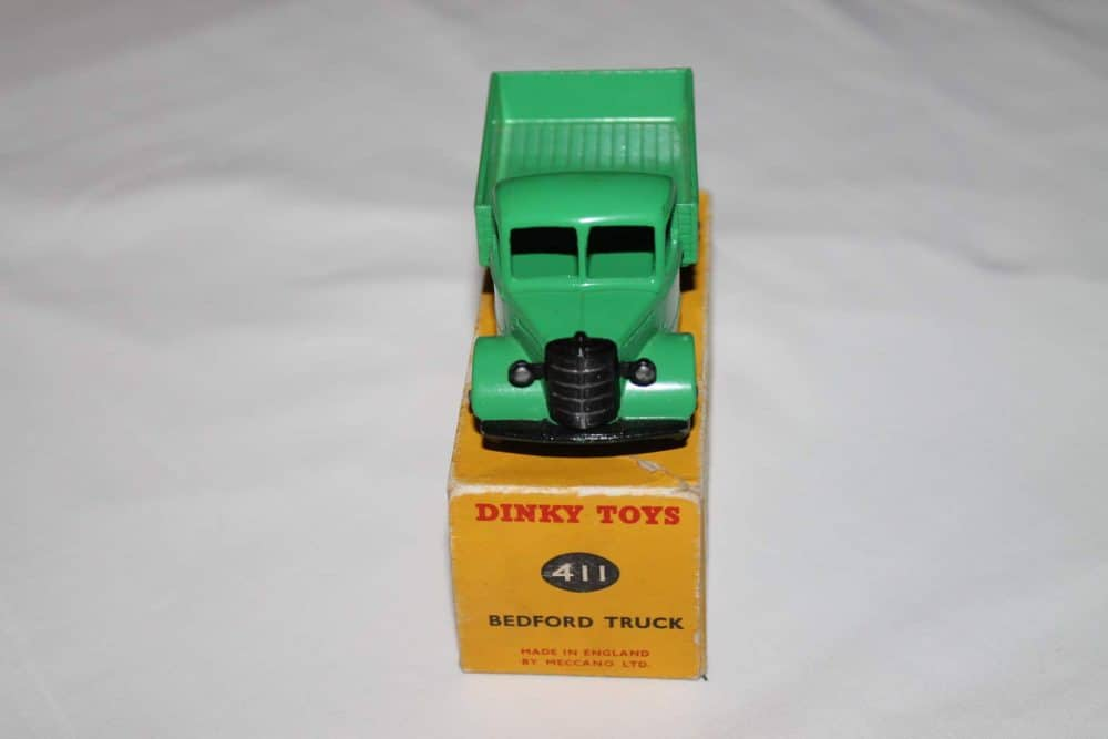 Dinky Toys 411 Bedford Truck-front