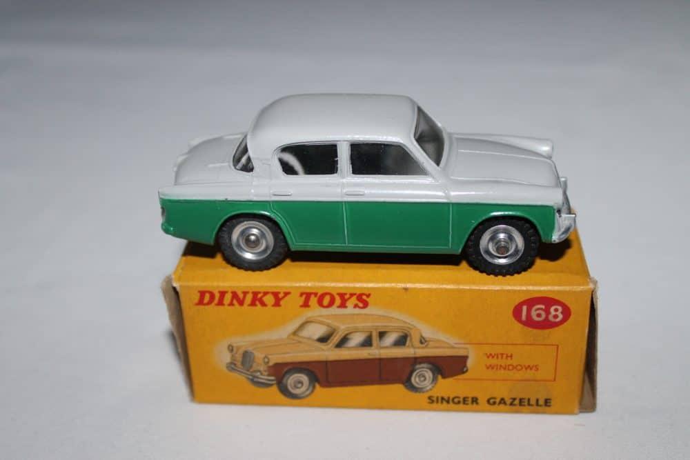 Dinky Toys 168 Singer Gazelle-side